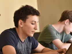 Школьник из Грузии изобрел «Умные часы» для пожилых