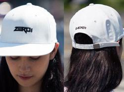 Винайдено «розумну» кепку, у якій можна слухати музику без навушників. Фото: zeroi