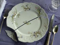 Відтепер розбитий посуд може склеїтися сам