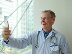 Хирургическая нить, которая передает данные о состоянии раны на смартфон врача